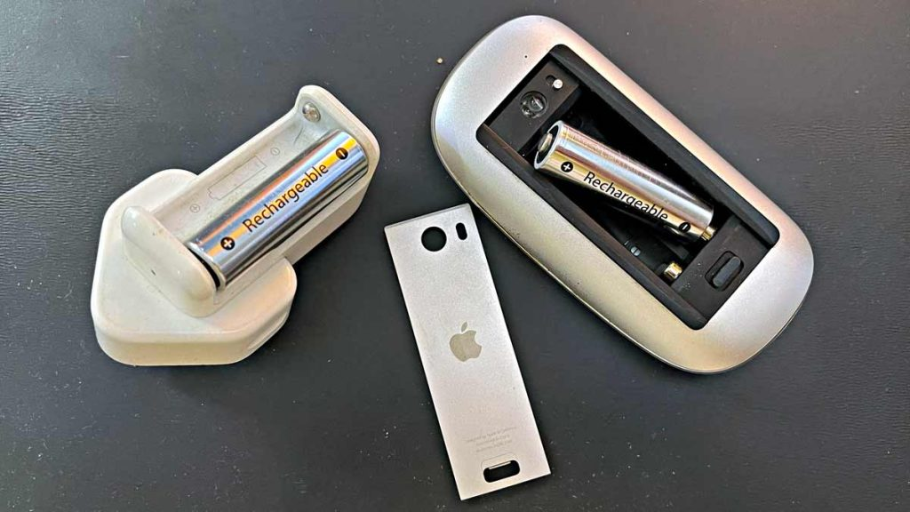 1st Generation Apple Mouse and Apple Rechargeable Batteries